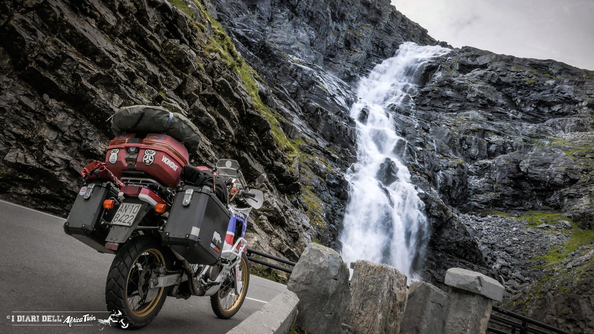 Trollstigen scala dei troll caponord in moto