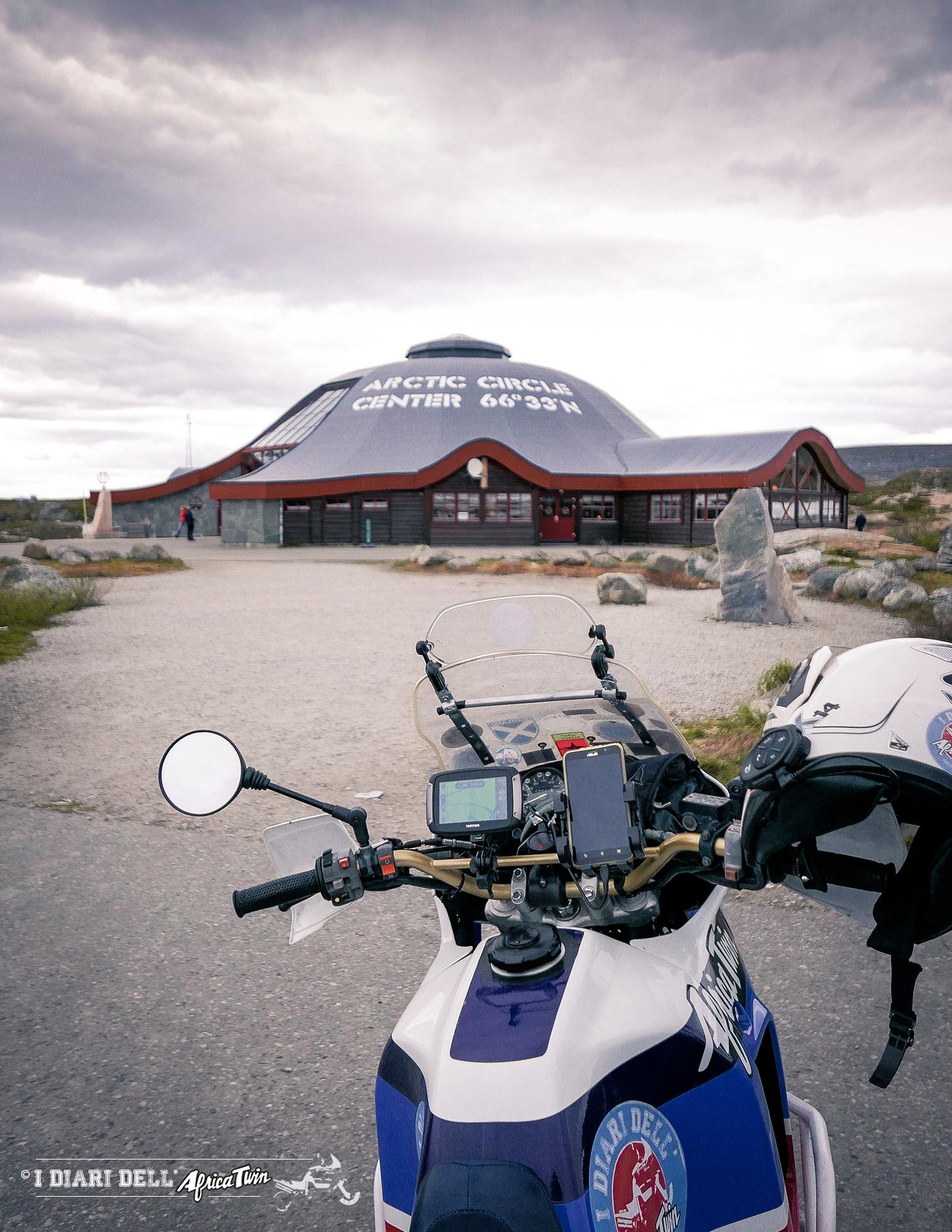 circolo polare artico caponord in moto