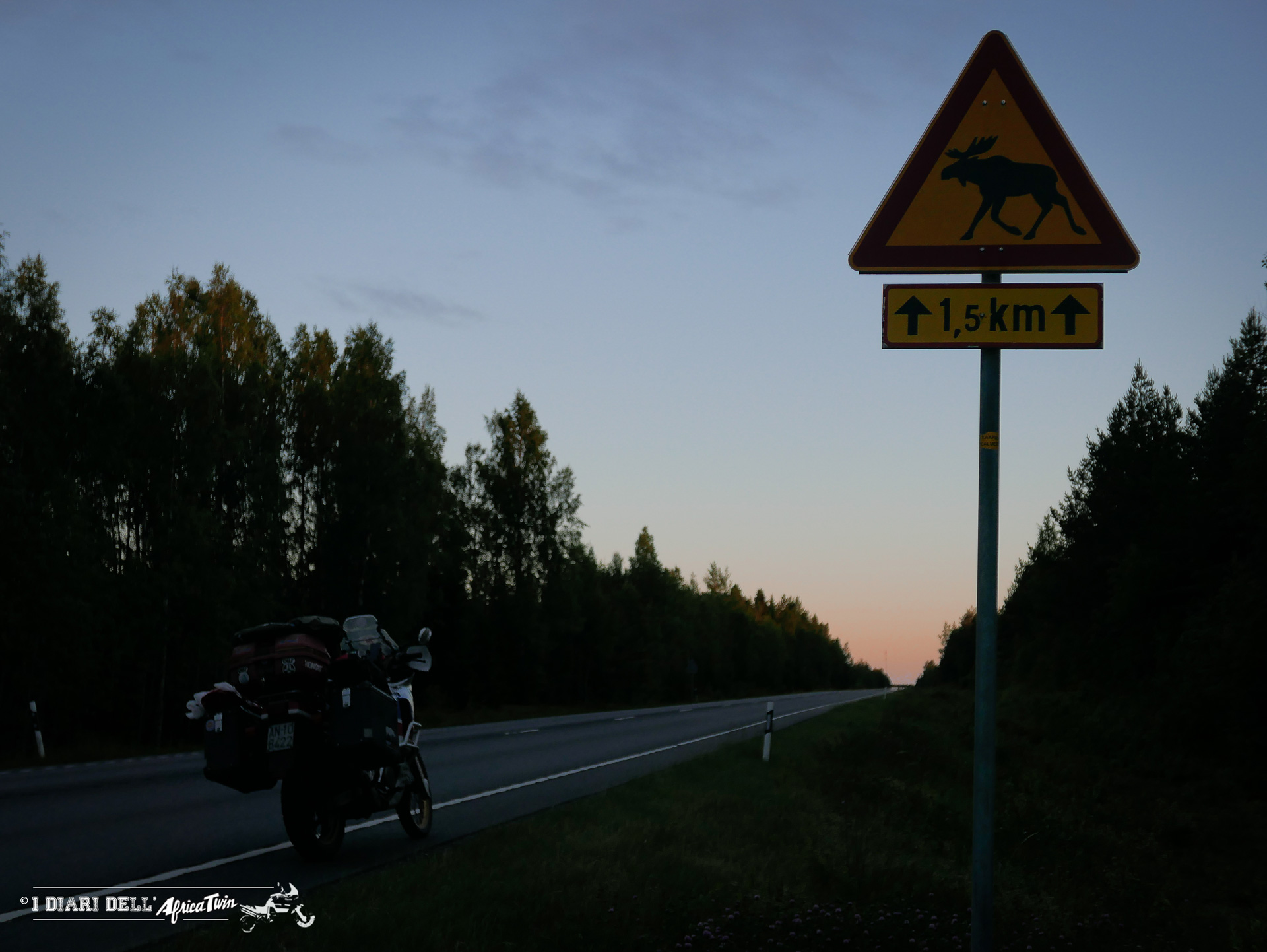 cartello pericolo attraversamento renne