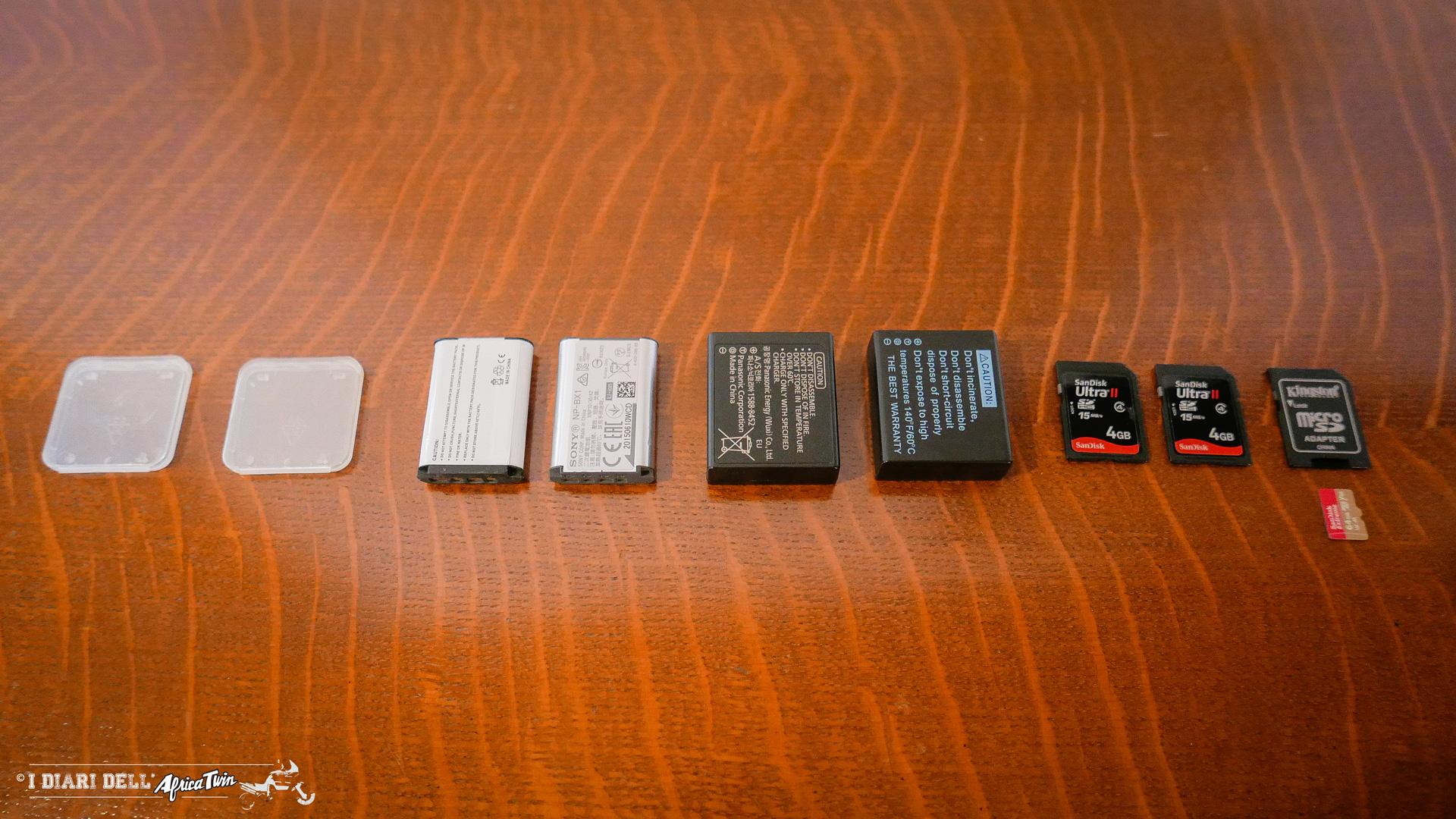 attrezzatura foto e video per viaggi in moto batterie e schede memoria