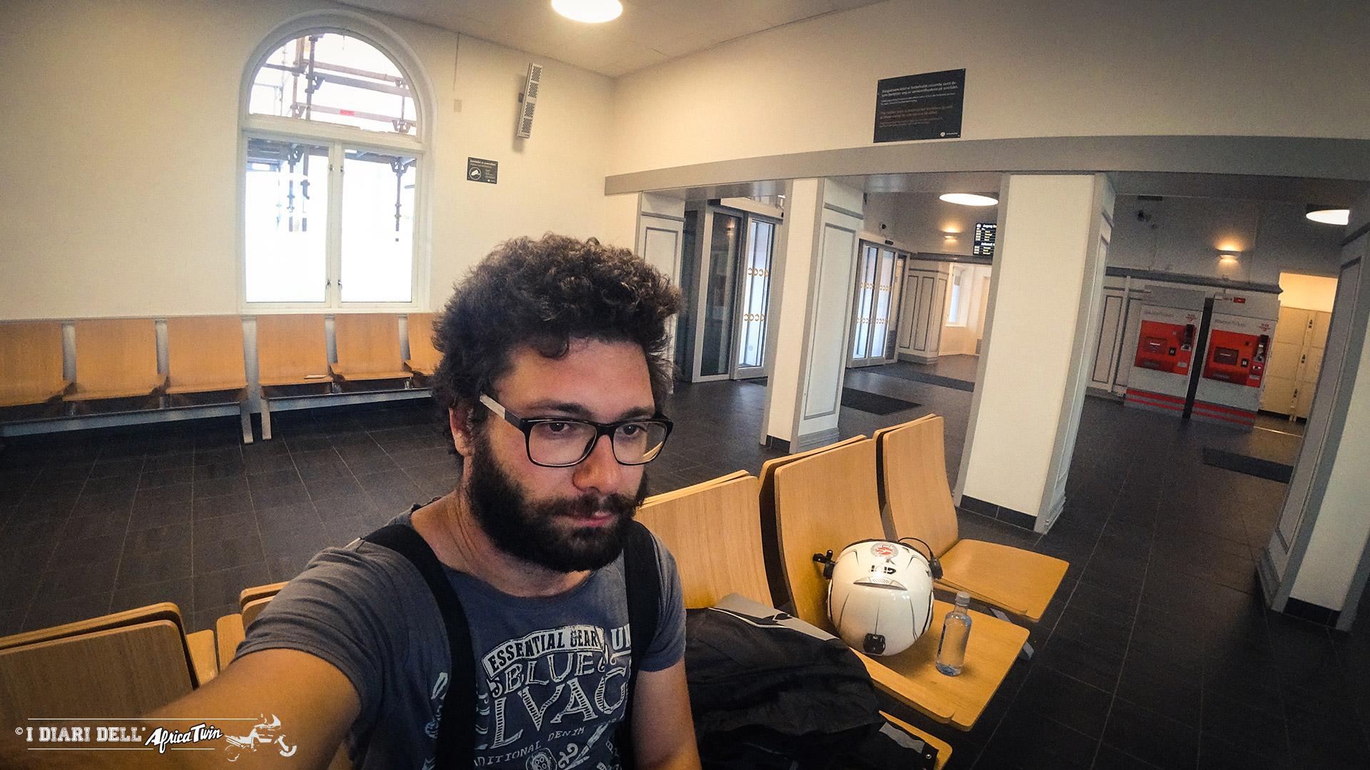 dormire stazione treno caponord