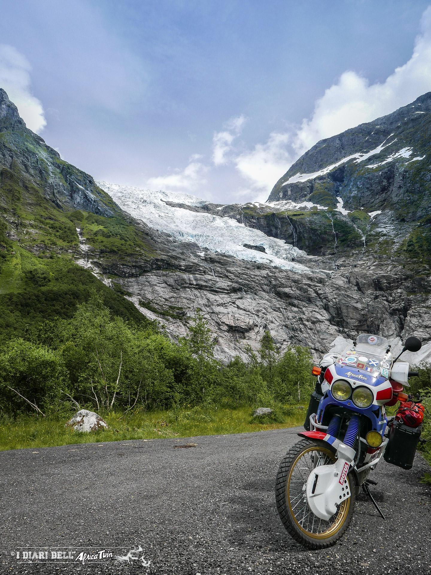 Ghiacciaio Briksdal caponord in moto