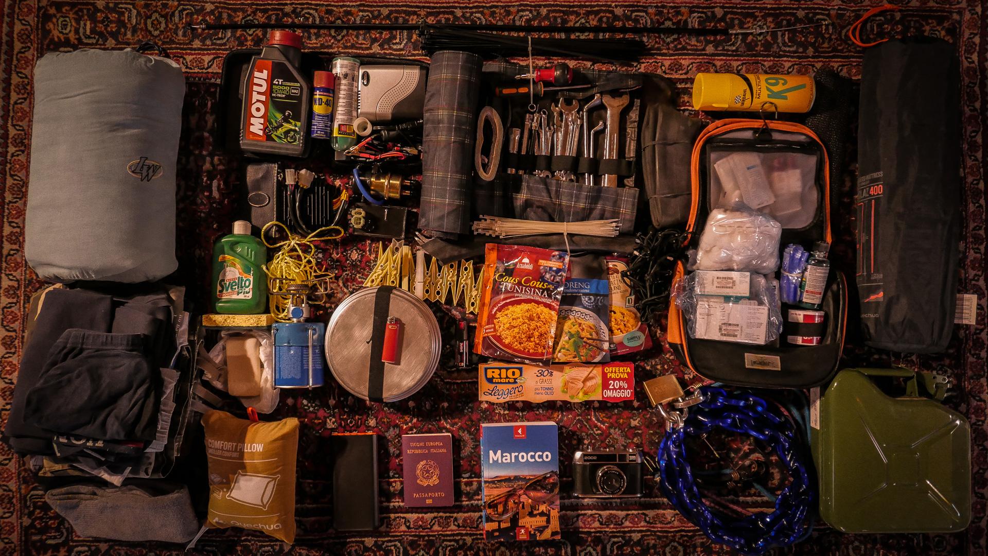 bagaglio moto come stivare il materiale nelle valigie laterali