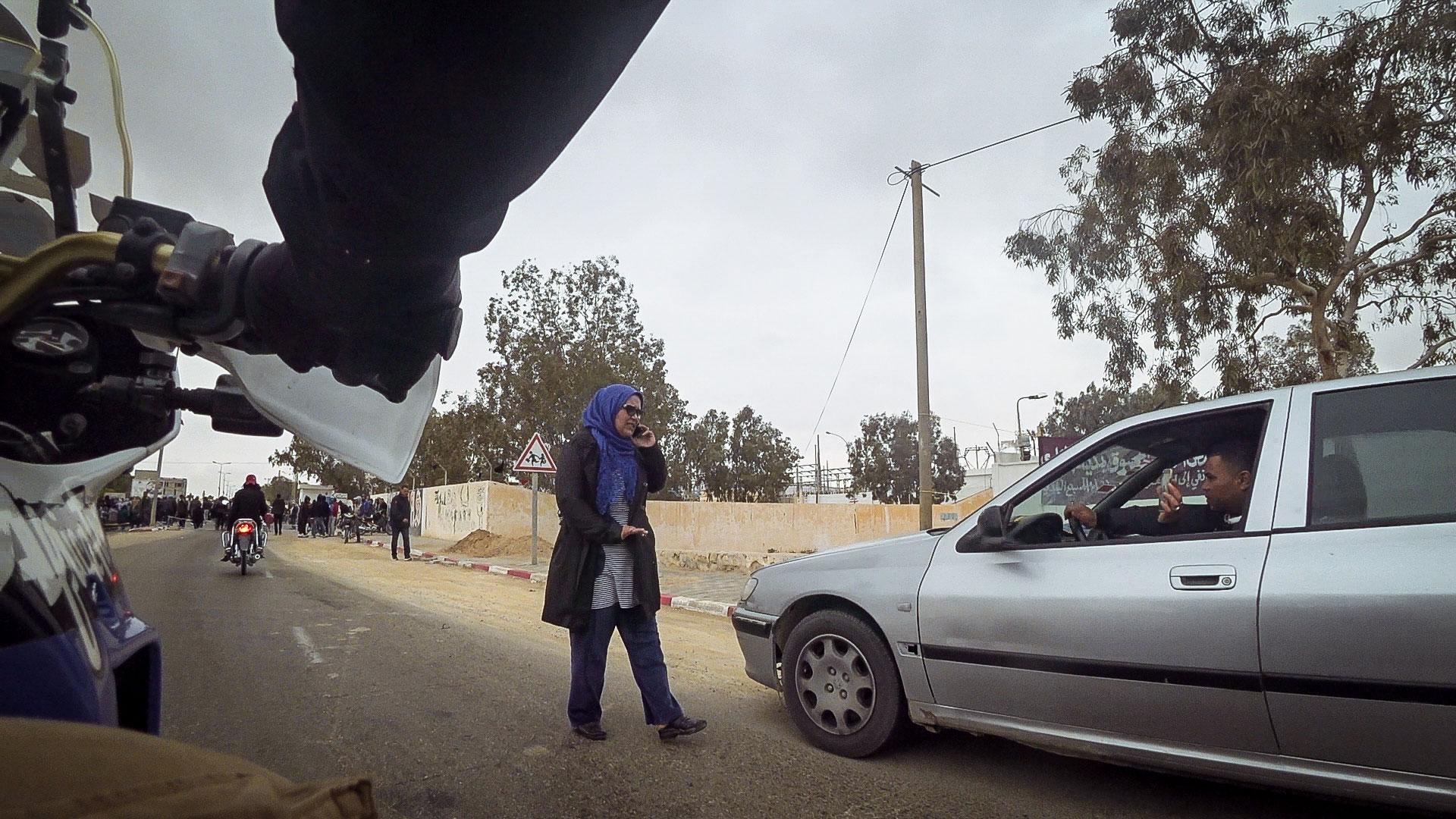 bloccati nel deserto rivolte tunisia in moto