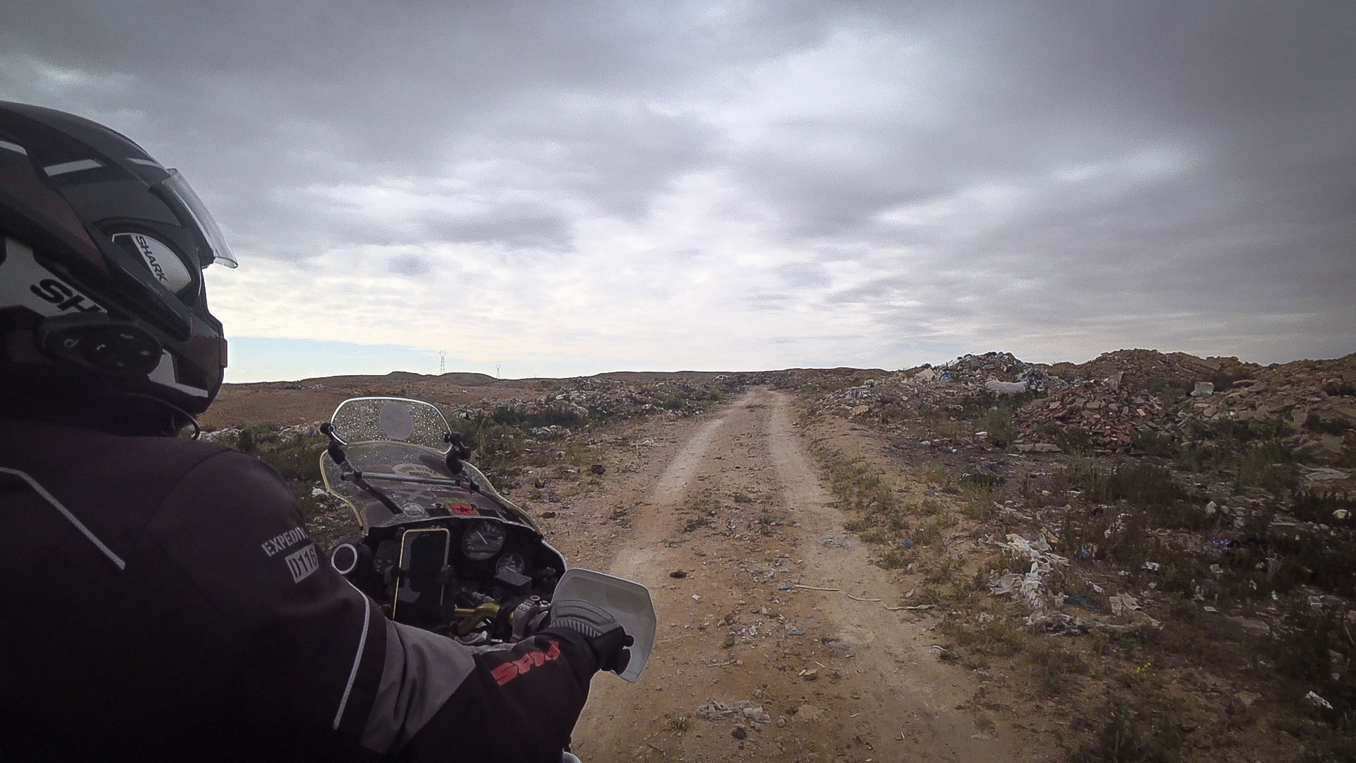 cercando una via alternativa deserto tunisia
