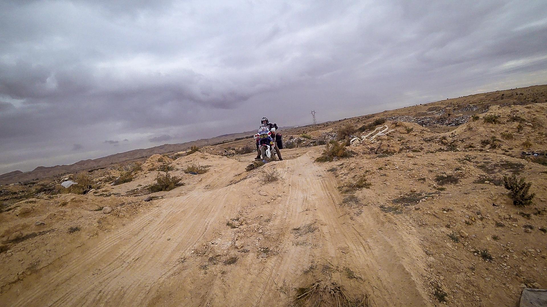 bloccati nel deserto in tunisia