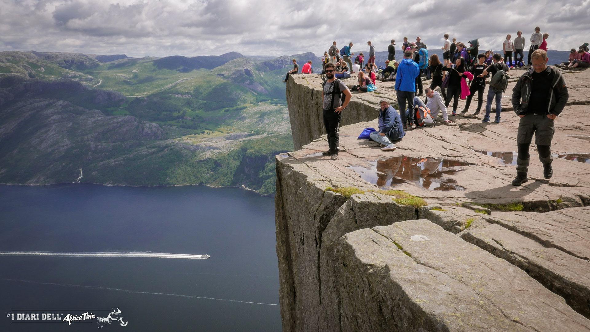 preikestolen_norvegia_percorso_cima