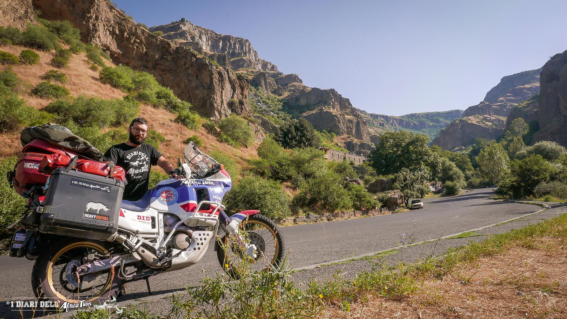 Georgia-e-armenia-in-moto-paesaggio